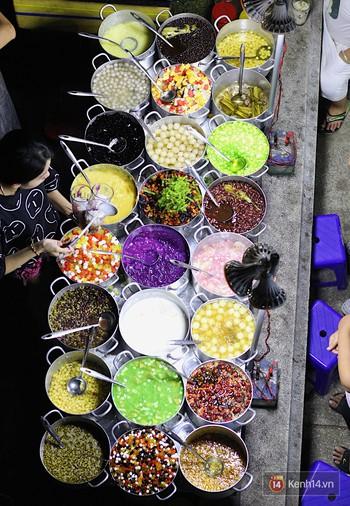 Chè bột lọc heo quay: vượt mọi giới hạn ẩm thực, thách thức mọi tín đồ ăn uống khi đến Huế - Ảnh 1.