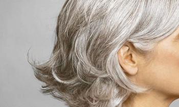 Ai nói già mới bị tóc bạc, bây giờ trẻ tóc đã bạc trắng nhiều rồi ấy chứ? Vì sao nhỉ? - Ảnh 3.