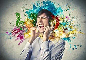 Đây là cơ chế đáng sợ lý giải việc bạn có thể bị điếc chỉ vì nghe nhạc trên đường - Ảnh 1.