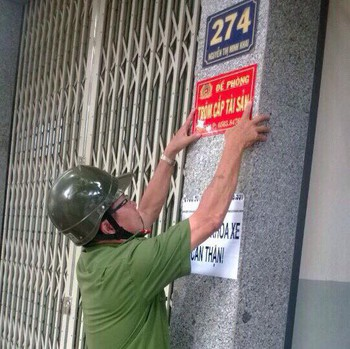 Cảnh báo thủ đoạn phát tờ rơi, che chắn cửa nhà để đột nhập cuỗm tài sản - Ảnh 3.