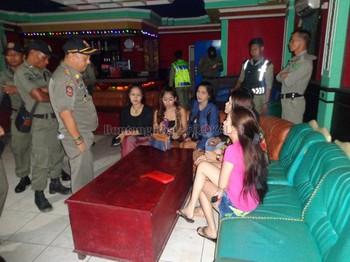 Chuyện Tinder ở Bali: Khi app hẹn hò trở thành chốn thiên đường mời gọi của gái làng chơi - Ảnh 7.