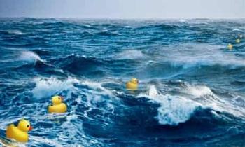 Công ty vận hành siêu tàu hàng kẹt ở kênh đào Suez từng khiến đại dương ngập trong đồ nhựa suốt gần 2 thập kỷ - Ảnh 3.