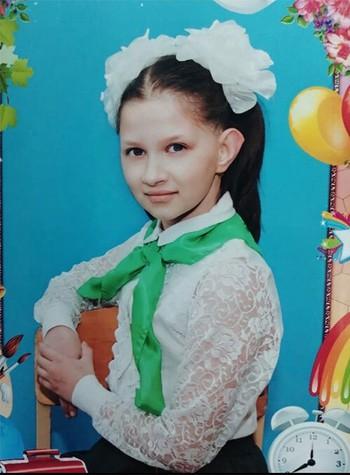 Rúng động: Bé gái 12 tuổi người Nga bị cưỡng hiếp và giết chết trên đường đi học về, thông tin về quá khứ bệnh hoạn của nghi phạm gây bức xúc - Ảnh 1.