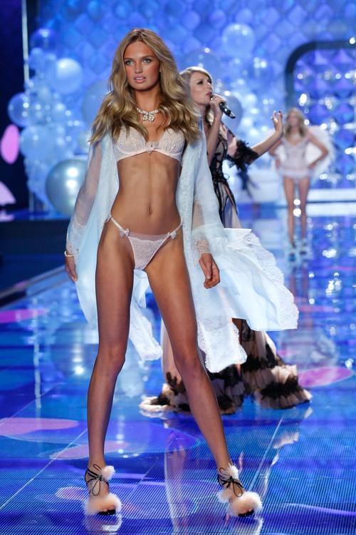 Danh sách 55 chân dài xác nhận sẽ trình diễn trong Victorias Secret Fashion Show 2017 - Ảnh 12.