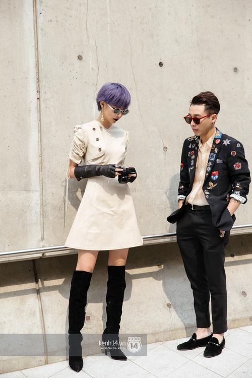 Seoul Fashion Week: Phí Phương Anh tóc tím nổi bần bật trên hàng ghế đầu cùng stylist Hoàng Ku - Ảnh 4.