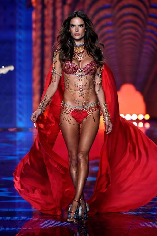 Danh sách 55 chân dài xác nhận sẽ trình diễn trong Victorias Secret Fashion Show 2017 - Ảnh 2.