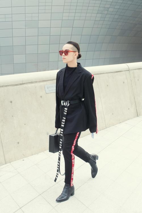Tóc Tiên và Kelbin Lei xung trận Tuần lễ thời trang Seoul với phong cách chất lừ - Ảnh 9.