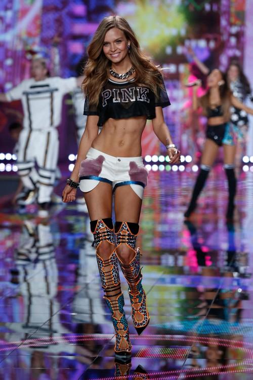 Danh sách 55 chân dài xác nhận sẽ trình diễn trong Victorias Secret Fashion Show 2017 - Ảnh 8.