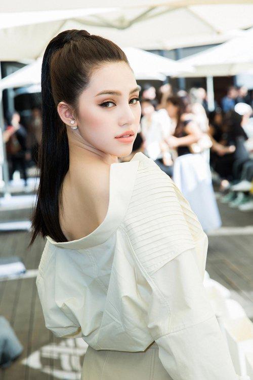 Những mỹ nhân trang điểm đẹp nhất show Lâm Gia Khang toàn chọn son cam và nude! - Ảnh 5.
