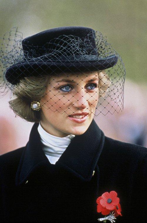 Thú vị: không phải đen hay nâu, công nương Diana chỉ trung thành với đường kẻ mắt màu xanh dương - Ảnh 6.