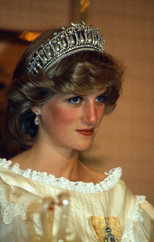 Thú vị: không phải đen hay nâu, công nương Diana chỉ trung thành với đường kẻ mắt màu xanh dương - Ảnh 4.