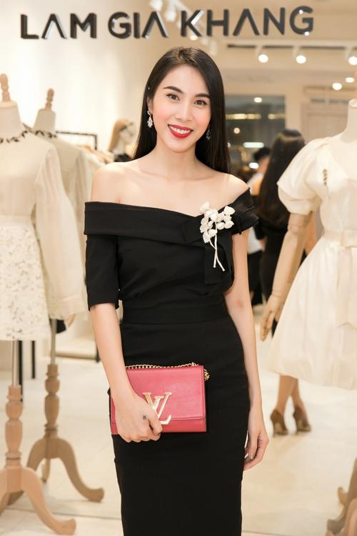 Bộ đôi Hoa hậu Thu Thảo - Mỹ Linh: một chín một mười, xinh đẹp khó rời mắt khi cùng đọ sắc - Ảnh 7.