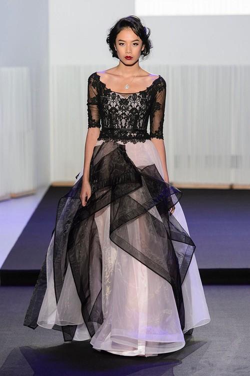 Chân dài kín tiếng này chính là mẫu Việt mở hàng cho Paris Fashion Week - Ảnh 5.