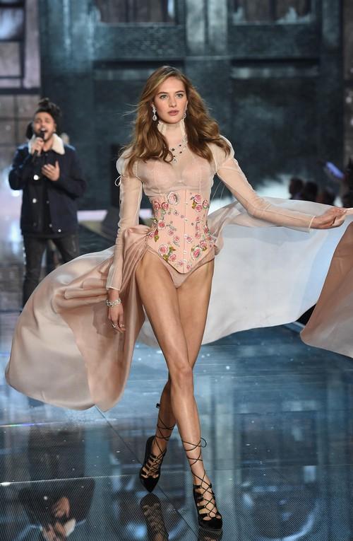 Danh sách 55 chân dài xác nhận sẽ trình diễn trong Victorias Secret Fashion Show 2017 - Ảnh 16.