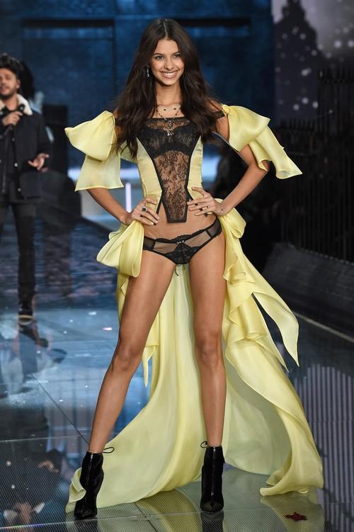 Danh sách 55 chân dài xác nhận sẽ trình diễn trong Victorias Secret Fashion Show 2017 - Ảnh 27.