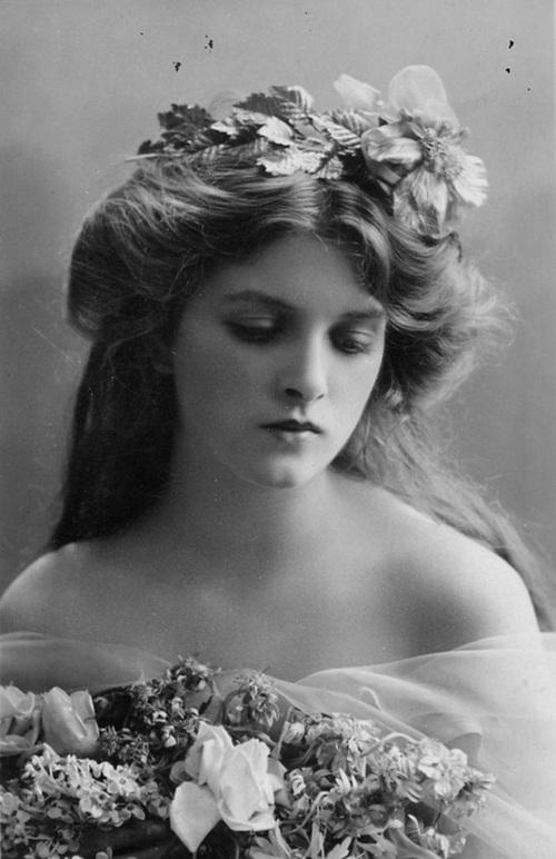 """Hình ảnh dung dị mà đẹp rạng ngời của 13 nàng """"quốc sắc thiên hương"""" từ 100 năm trước - Ảnh 3."""