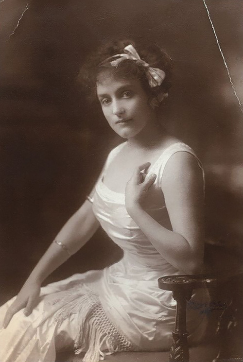 """Hình ảnh dung dị mà đẹp rạng ngời của 13 nàng """"quốc sắc thiên hương"""" từ 100 năm trước - Ảnh 25."""