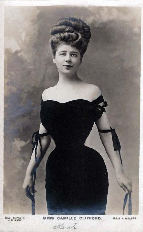 """Hình ảnh dung dị mà đẹp rạng ngời của 13 nàng """"quốc sắc thiên hương"""" từ 100 năm trước - Ảnh 26."""