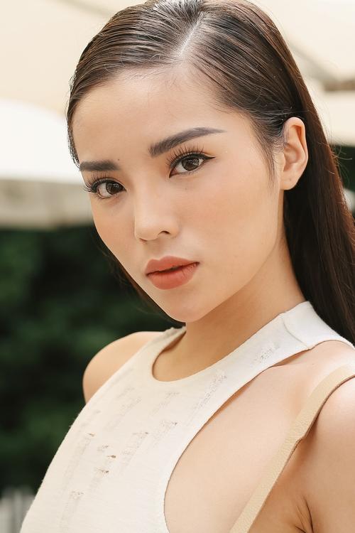 Những mỹ nhân trang điểm đẹp nhất show Lâm Gia Khang toàn chọn son cam và nude! - Ảnh 2.