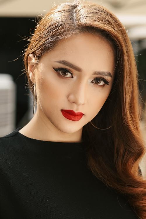 Những mỹ nhân trang điểm đẹp nhất show Lâm Gia Khang toàn chọn son cam và nude! - Ảnh 11.