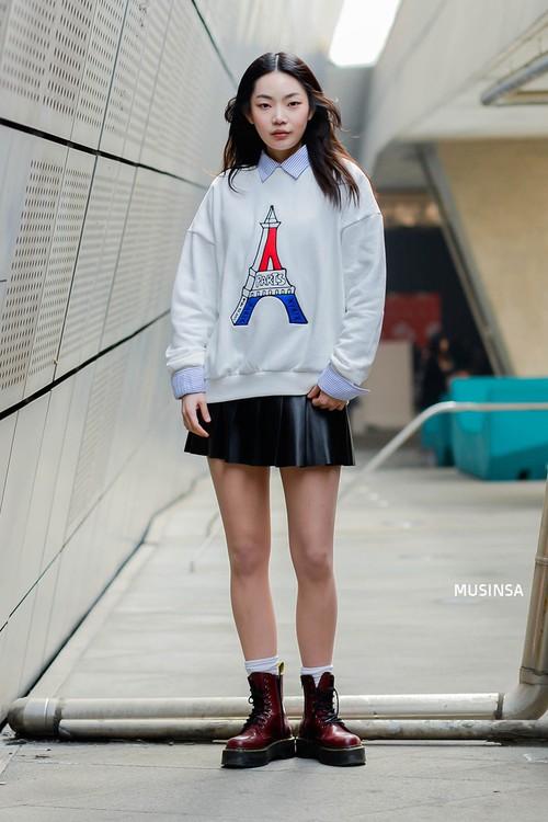 Xem ảnh xong, bạn sẽ chẳng thiết sắm đồ cầu kỳ nữa mà chỉ muốn diện toàn đồ basic như giới trẻ Hàn - Ảnh 4.