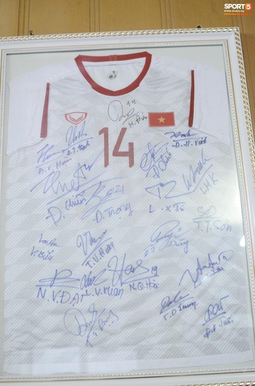 Về thăm nhà người hùng U22 Việt Nam, Nguyễn Hoàng Đức: Tràn ngập kỷ vật World Cup và những bức ảnh thời trẻ trâu hết sức dễ thương - Ảnh 17.