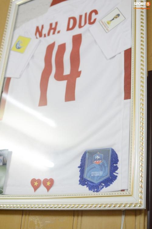Về thăm nhà người hùng U22 Việt Nam, Nguyễn Hoàng Đức: Tràn ngập kỷ vật World Cup và những bức ảnh thời trẻ trâu hết sức dễ thương - Ảnh 5.