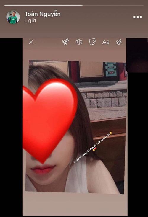 Thủ môn Văn Toản nhận xét về bạn gái xinh đẹp: Được mỗi cái môi còn lại vứt đi hết! - Ảnh 3.