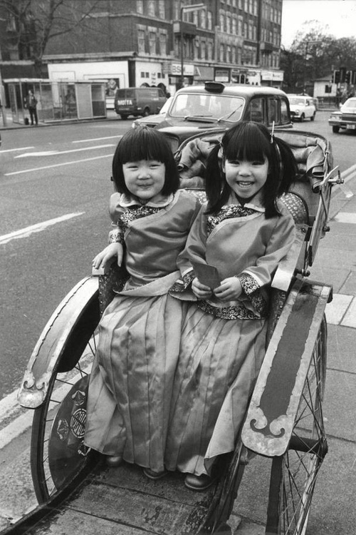 Ngắm khung cảnh rộn ràng đón Tết Nguyên Đán tại Chinatown ở London trong nửa thế kỷ qua - Ảnh 5.