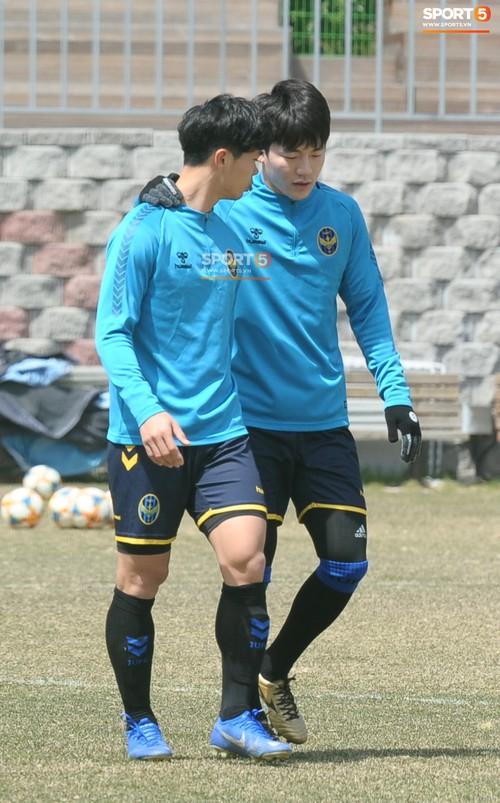 Công Phượng cười thả ga, xoá tan nghi ngờ bị áp lực từ truyền thông sau lần đầu đá chính ở K.League - Ảnh 14.