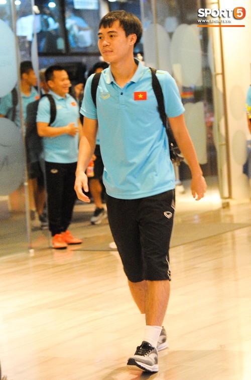 Hải Quế, Duy Pinky check-in nhí nhảnh tại khách sạn sau trận đấu cân não với Thái Lan - Ảnh 5.