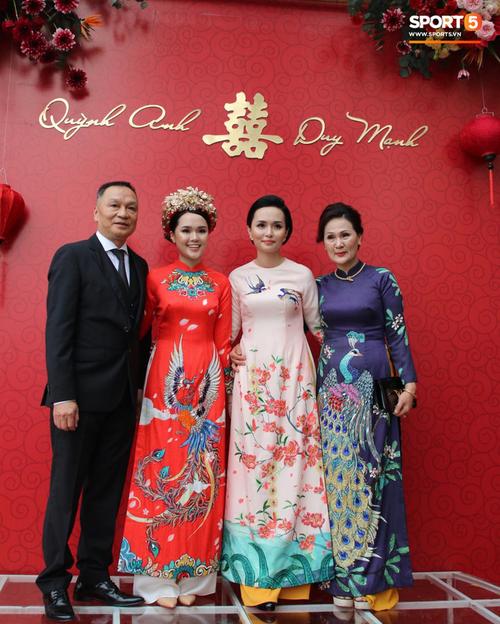 Đám hỏi Duy Mạnh - Quỳnh Anh: Cô dâu chú rể cảm ơn quan khách, kết thúc buổi lễ vất vả nhưng đầy hạnh phúc - Ảnh 31.