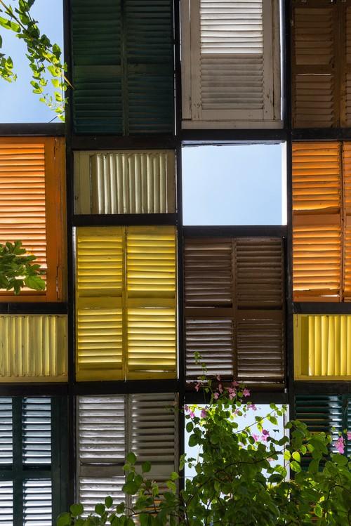 Ngôi nhà 60m2 với vô vàn ô cửa sắc màu ở Sài Gòn, bên trong chuẩn vibe vintage quá mê - Ảnh 3.