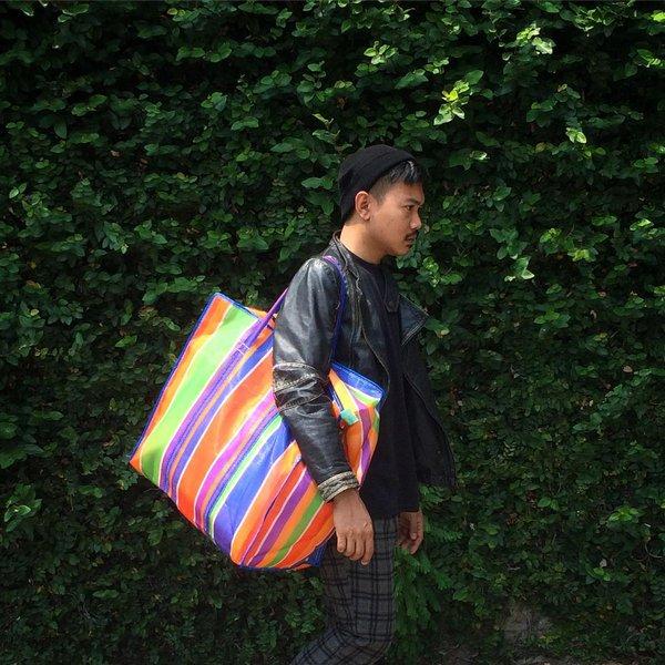 Hài hước túi xách nghìn đô của Balenciaga giống hệt túi nilon Thái Lan - Ảnh 4.