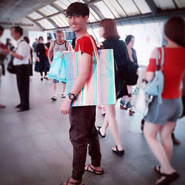 Hài hước túi xách nghìn đô của Balenciaga giống hệt túi nilon Thái Lan - Ảnh 7.