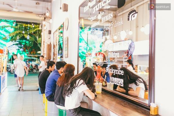 3 chợ đêm ẩm thực mới toanh ở Sài Gòn khiến bạn phải đi ngay kẻo lỡ - Ảnh 12.