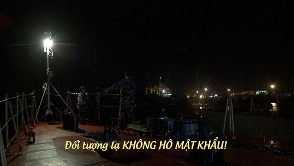 Bố ơi: Các nhóc tì bỡ ngỡ khi chiến đấu cùng các chiến sĩ hải quân - Ảnh 23.