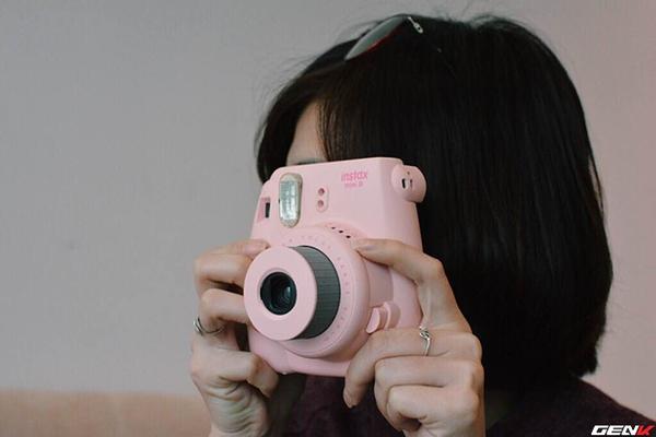 Khám phá chiếc máy ảnh Instax mini 8 dưới góc nhìn của hội con gái - Ảnh 4.