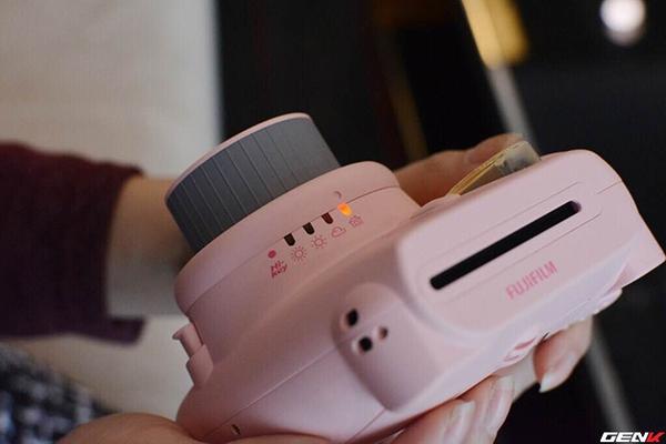 Khám phá chiếc máy ảnh Instax mini 8 dưới góc nhìn của hội con gái - Ảnh 6.