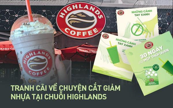"""Highlands Coffee vẫn phục vụ đồ nhựa cho khách như một điều """"tất nhiên"""": Nhiều người lắc đầu ngán ngẩm """"Vì sao nhất định không thay đổi""""?"""