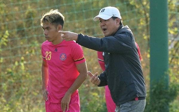 Huấn luyện viên Vũ Tiến Thành