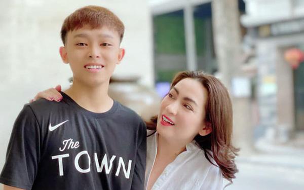 Phi Nhung là người dựng bài và tư vấn giúp Hồ Văn Cường đăng quang Vietnam  Idol Kids