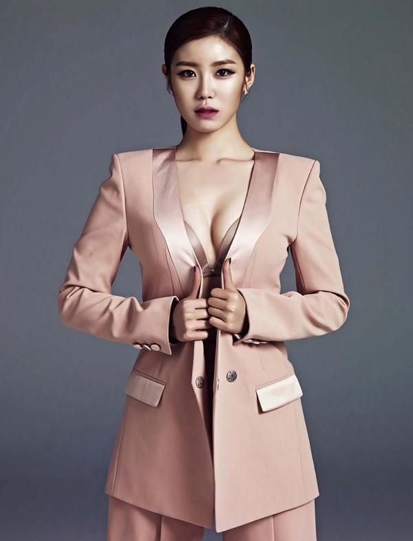 secret-hyosung-esquire-magazine-may-issue-2014-jpg-2b052