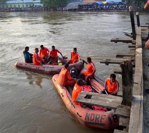 motor-boat-capsizes-in-kamrup_ced612a2-65fe-11e5-86e2-e1a42b5fda15-67f24