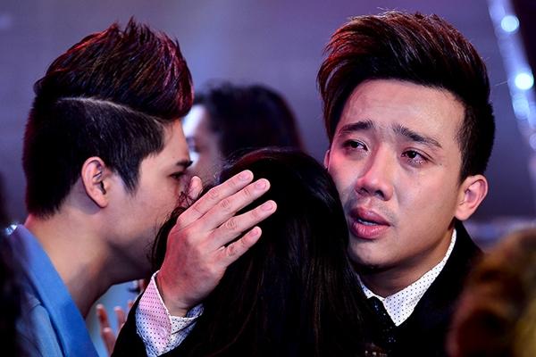 """Trấn Thành khóc khi chia tay thí sinh """"Bước nhảy"""" 3"""