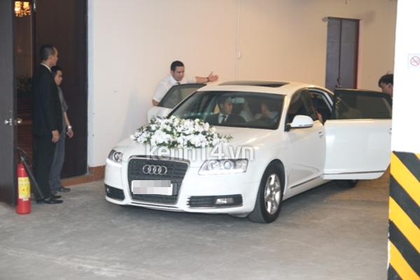 Những hình ảnh hiếm hoi trong tiệc cưới Hà Tăng 33