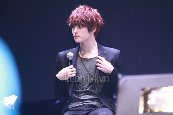 Jaejoong ngượng ngùng đút kimbap cho fan 28
