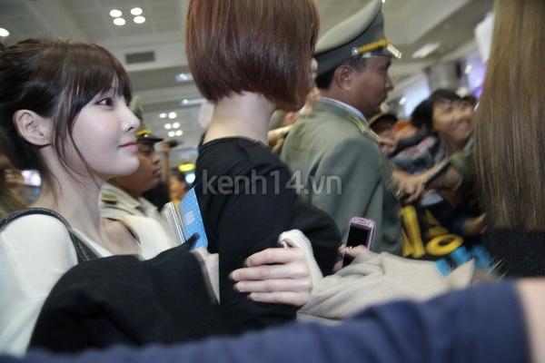 T-Ara rạng rỡ xuất hiện tại Hà Nội giữa vòng vây của fan 16