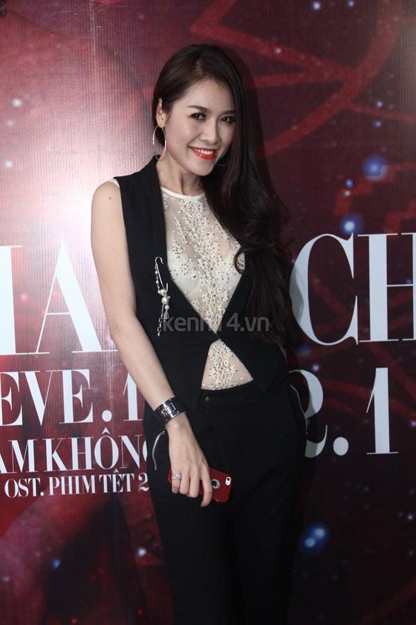 Lâm Chí Khanh nhận mình là ca sĩ chuyển giới đẹp nhất Việt Nam 10