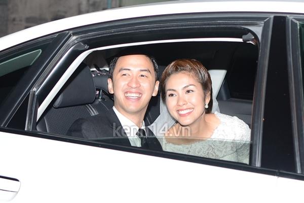 Những hình ảnh hiếm hoi trong tiệc cưới Hà Tăng 17
